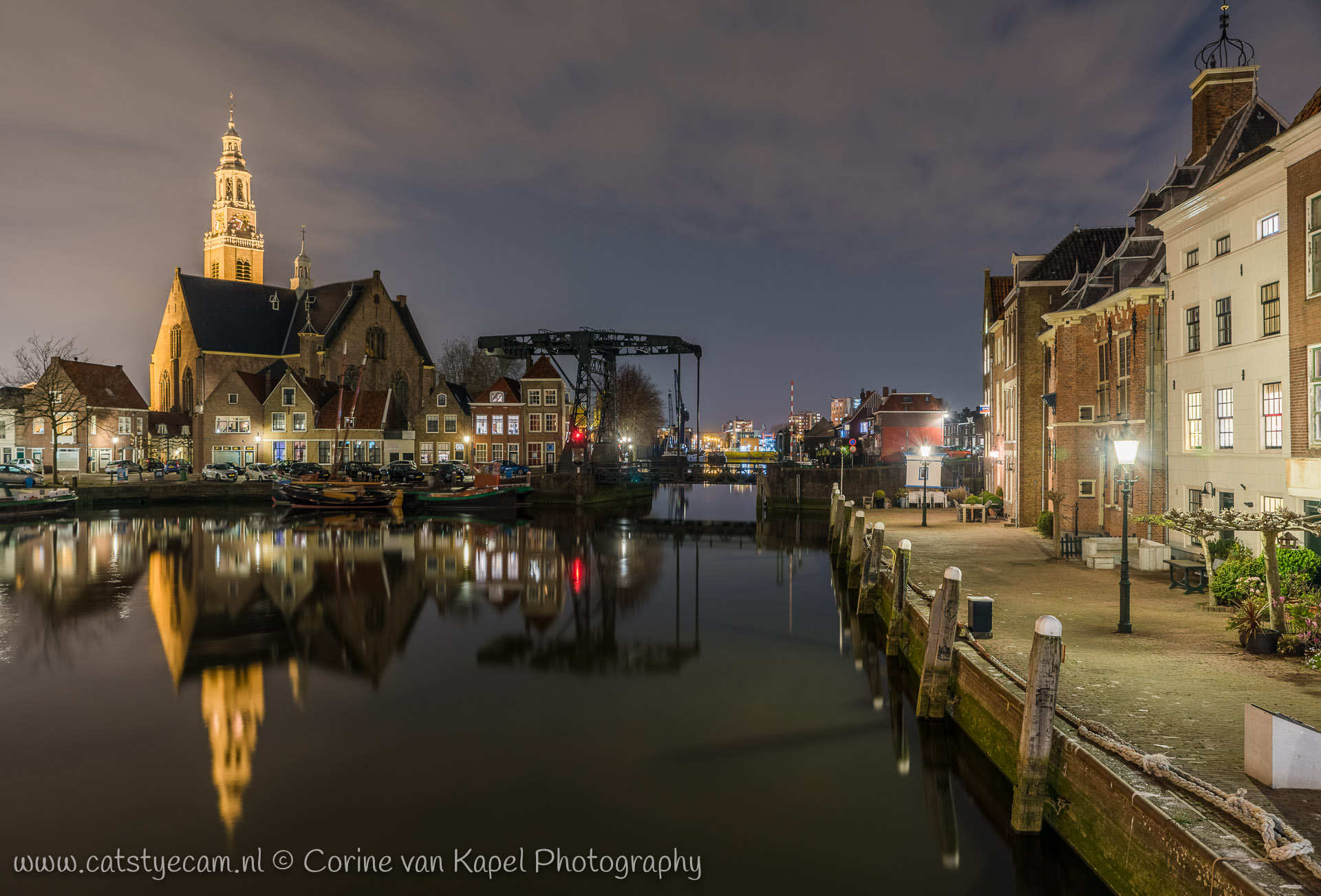 The harbor of Maassluis at night