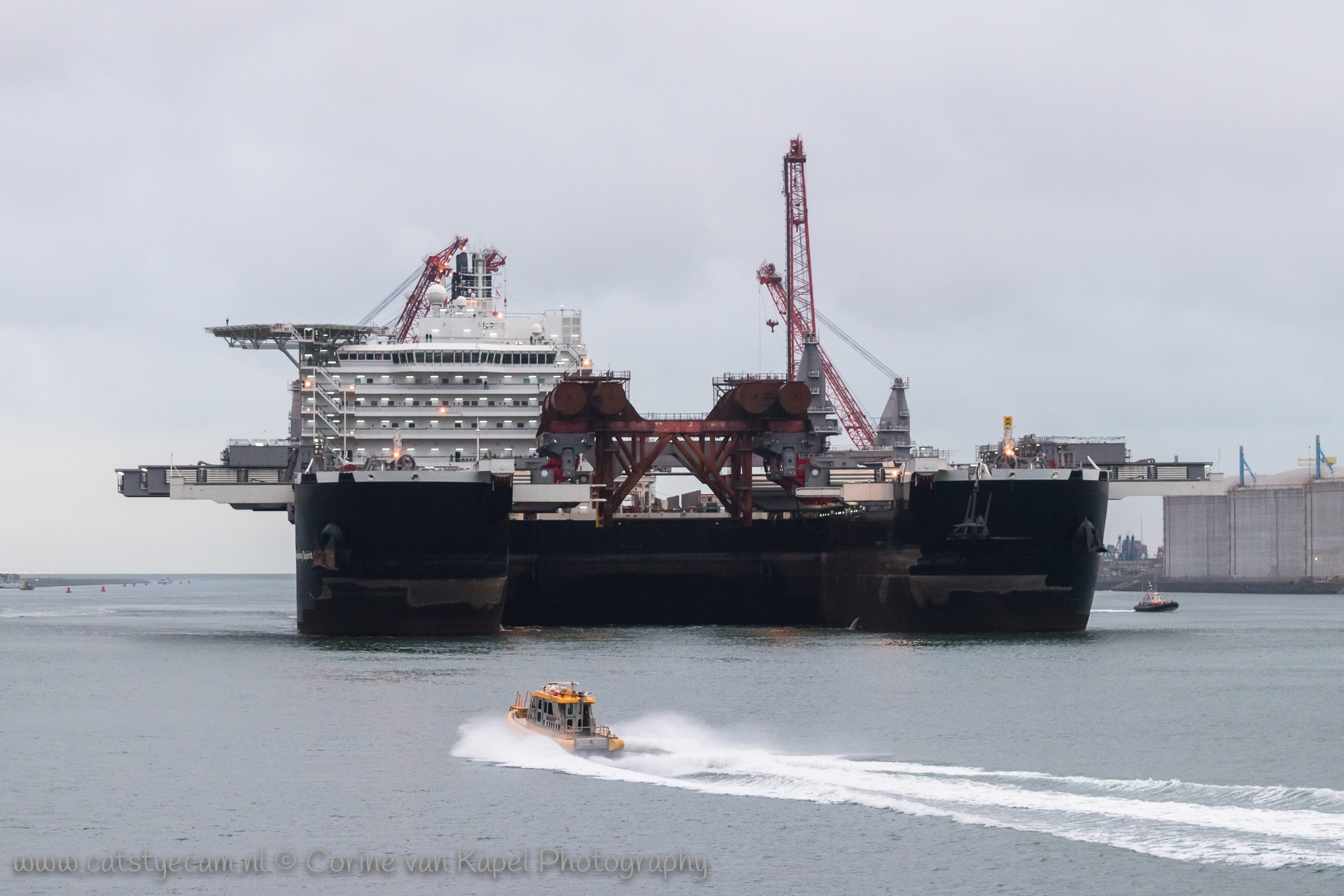 Pioneering Spirit leaves the harbor of Rotterdam