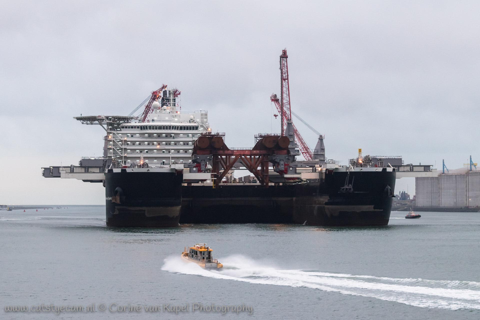 Pioneering Spirit leaves the harbor of Rotterdam